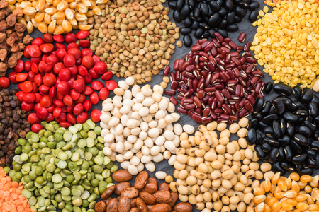 Multicolor dried legumes for background, Different dry bean for eating healthy Banque d'images - 106165055
