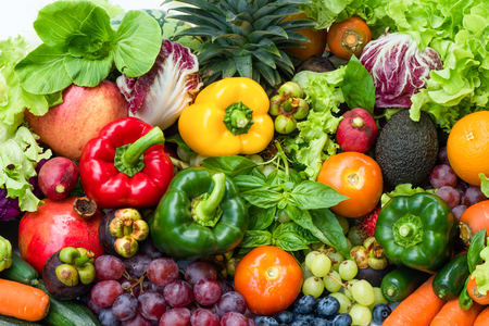 Tropical fresh fruits and vegetables organic for healthy lifestyle, Arrangement different vegetables organic for eating healthy and dieting Banque d'images - 106165058