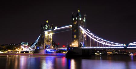 london bridge Banque d'images