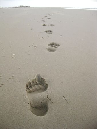 clowds: traces in sand