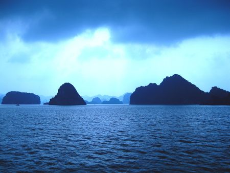 ha: Ha Long bay