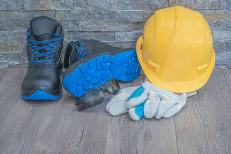 Personal protective equipment for workplace protection with increased risk of injury Standard-Bild