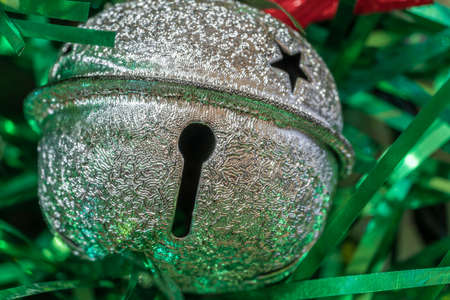 Decoration with a keyhole and a star on the Christmas tree for the New Year Standard-Bild