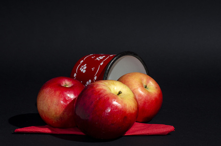 healt: red apple with red cup