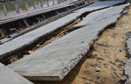 derrumbe: colapso muelle en Tailandia Foto de archivo