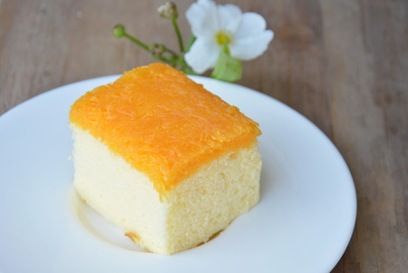 cake topping: butter cake topping golden threads on dish Stock Photo