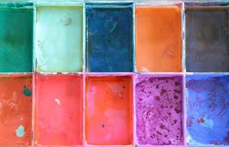 color in: color del aceite en la bandeja de pl�stico Foto de archivo