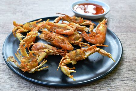 deep fried little swimming crab and shrimp with flour on plate dipping sweet sauce Фото со стока - 131838290