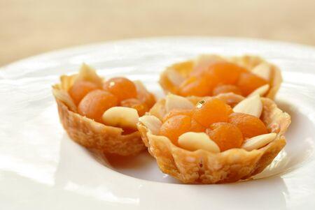 Thai dessert diamond crown pastry or Ja mongkut on plate Stockfoto