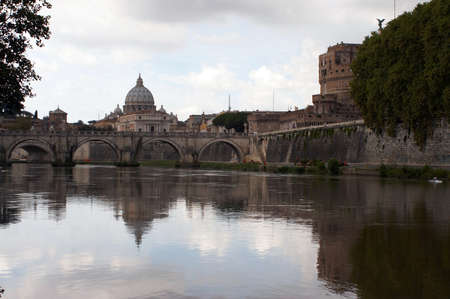 tiber: Roma, Ciudad del Vaticano, Sant Angelo, T�ber Foto de archivo