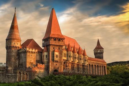 Le château de Corvin est un château gothique de la Renaissance en Transylvanie en Roumanie.
