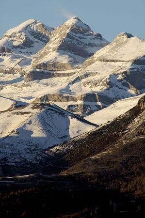 ordesa: Sunset in snowy mountain in Ordesa