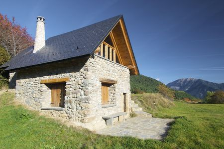 Stone cabin in the Pyrenees Stock Photo - 6070920