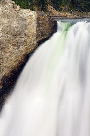 john muir wilderness: Menor cataratas del Parque Nacional de Yellowstone