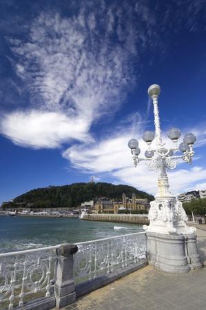 san sebastian: shell beach, the bottom of the image stands Mount Urgull, San Sebastian, Guipuzcoa, Basque Country, Spain Stock Photo