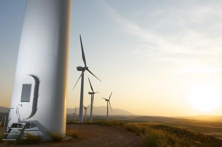 再生可能エネルギー生産、Fuendejalon、サラゴサ、アラゴン、スペインの風車のグループ