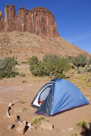 indian creek: tent in the desert of Utah, Indian Creek, Usa Stock Photo