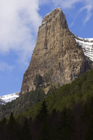 pinnacle: pinnacolo roccioso noto come Tozal del Mallo, Parco Nazionale di Ordesa, Pirenei, Huesca, Aragona, Spagna