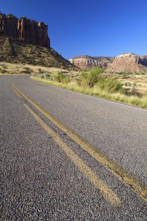 indian creek: Road in Indian Creek near Moab, Utah, United States