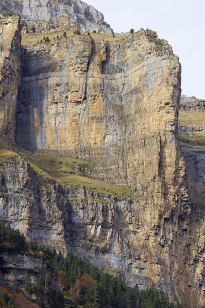 pin�culo: pinnacle rocosa en las paredes del Parque Nacional de Ordesa, Pirineos, Espa�a