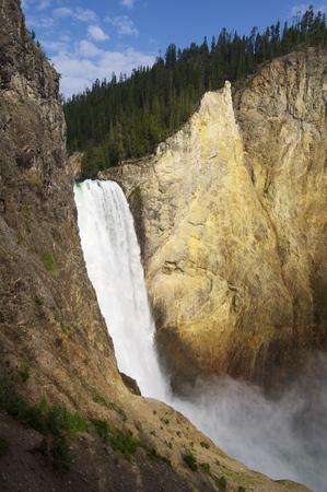 john muir wilderness: Baje las ca�das del Parque Nacional de Yellowstone, Estados Foto de archivo