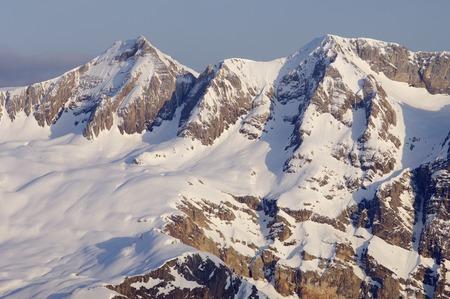 テナ渓谷、ピレネー山脈、パンティコサ、アラゴンのウエスカ、スペインの Tendenera ピーク