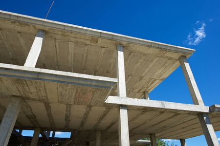 materiales de construccion: Reinforced concrete slabs of a residential building under construction.