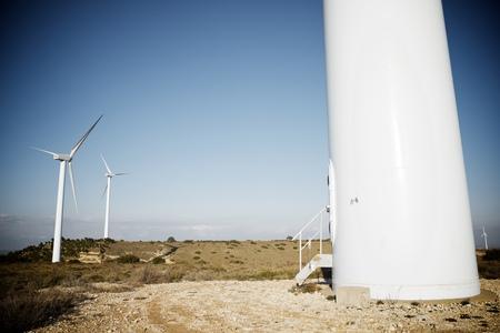 Windmolens voor stroomproductie, de provincie van Huesca, Aragon, Spanje