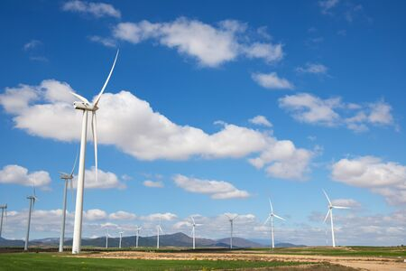 Windmills for electric power production, Zaragoza province, Aragon, Spain. Imagens