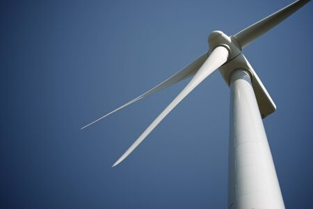 Molino de viento para producción de energía eléctrica, provincia de Soria, Castilla León, España.