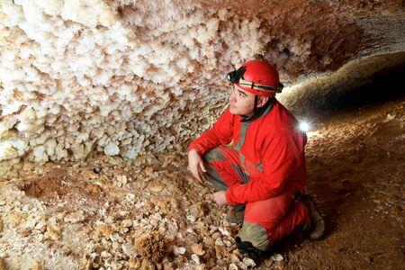 Caving in Niguella Cave, Zaragoza Province, Aragon, Spain. 免版税图像