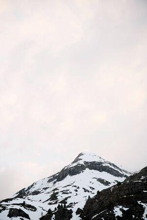Snowy peaks in Aspe Valley, Pyrenees, France. Imagens
