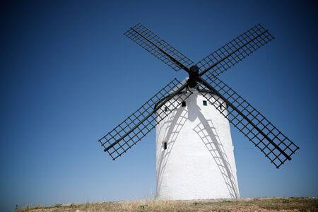 Windmills in Alcazar de San Juan, Ciudad Real Province, Castilla La Mancha, Spain. Foto de archivo
