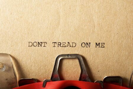 Dont tread on me text written on a paper. Archivio Fotografico