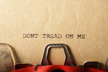 Dont tread on me text written on a paper. 版權商用圖片