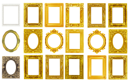 Der antike Goldrahmen lokalisiert auf dem weißen Hintergrund. Standard-Bild