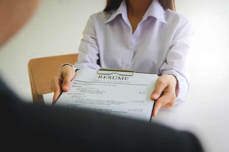 Applying for a job, filing a resume Experience, candidates stand the document with the company hr to get elected to work.