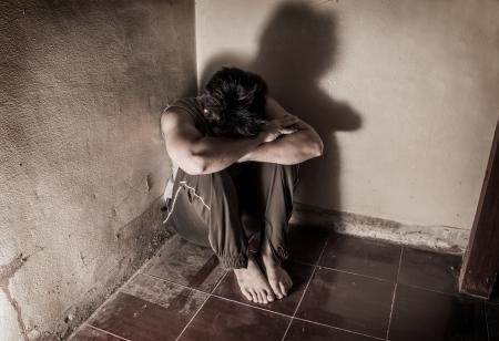 sad man: Hombre en la emoci�n tristeza