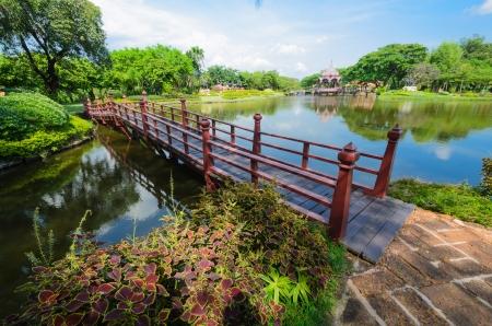 english famous: Lovely green garden