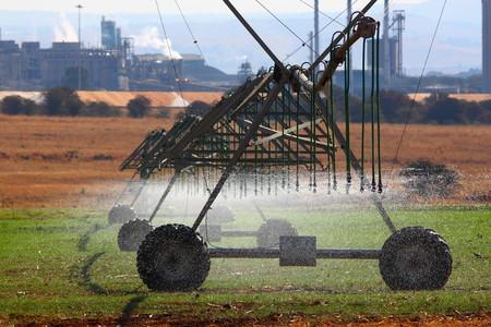 pivot: Pivot irrigation