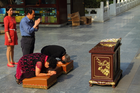 followers: Followers pay homage to Buddha Xian China