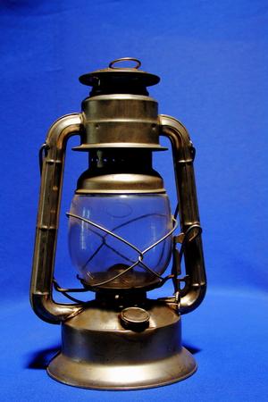 paraffine: A metal paraffin lantern