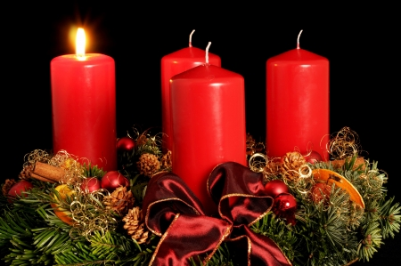 Advent wreath with red candles Stock Photo - 5874111