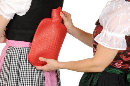 w�rmflasche: Junge slim-Weibchen hat R�ckenschmerzen