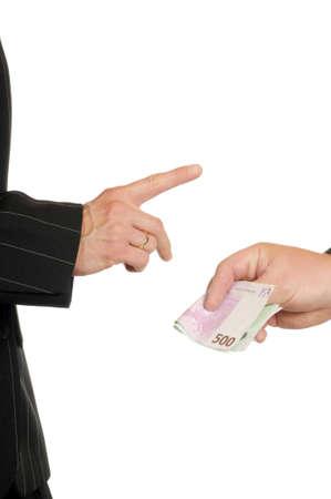 fend: -Le banconote in euro sono pagati