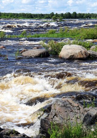 nen: The Tornionjoki river is the border between Finland and Sweden. The cataracts are a famous fishing ground