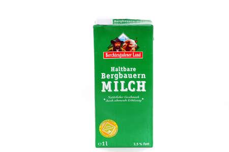 modificaci�n: Monta�a leche de los agricultores de Berchtesgaden, en Baviera, est� libre de cualquier modificaci�n gen�tica
