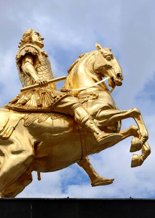 elector: The golden equestrian sculpture of King Elector August the Strong