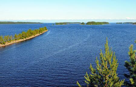 finland�s: Paisaje t�pico finland�s, aqu� cerca Savonranta Foto de archivo