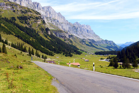 glarus: The Klausen Pass in Switzerland (1948 m) connects Uri and Glarus and offers wonderfull views